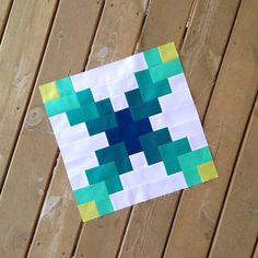 A modern update to the Irish Chain design - Modern Solids Challenge block by Megan Bohn of Canoe Ridge Creations.
