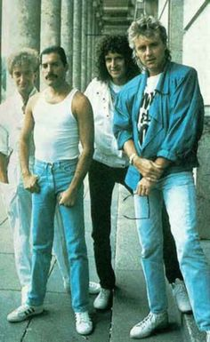 John Deacon, Freddie Mercury, Brian May, Roger Taylor Queen Freddie Mercury, Freddie Mercury Last Photo, John Deacon, Hard Rock, Queen Photos, Queen Pictures, Queen Songs, Rock Bands, Queen Banda