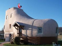 Ugly House Photos » Blog Archive » The Shoe House In Hallam, Pennsylvania