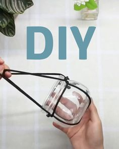 diy furniture videos This is one cute, handsome plant hanger, and here is how you can make one yourself. It is a stylish decor element, and you might just love it! Diy Crafts Hacks, Diy Home Crafts, Diy Furniture Videos, Diy Projects For Beginners, Hanging Plants, Hanging Glass Planters, Macrame Patterns, Plant Decor, Loom Bracelets