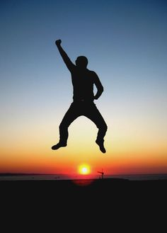 Victory! silhouette-sun -sagoma - Photo by Emanuele Del Bufalo -- इटली  意大利 Italujo イタリア Италия איטאליע إيطاليا - Happiness -Jump- www.emanueledelbufalo.com