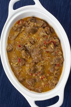 South African-Inspired Goat Curry With Apricots and Buttermilk - Yummy Medley - African Food Oxtail Recipes, Curry Recipes, Slow Cooker Recipes, Crockpot Recipes, Cooking Recipes, Jamaican Recipes, Oven Recipes, Goat Recipes, Indian Food Recipes