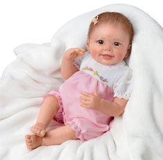 Emma Realistic Baby Doll by Ashton Drake Live Baby Dolls, Life Like Baby Dolls, Life Like Babies, Real Baby Dolls, Realistic Baby Dolls, Baby Girl Dolls, Ashton Drake, Marie Osmond, Reborn Toddler Girl