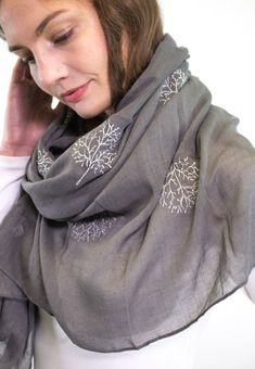 Ladies' Dark Grey scarf, by Style Slice, features large shiny metallic flower embroidered in silver. Elegant spring or summer shawl that can be personalised with a charm or a monogram. Suitable as a gift for anniversary, birthday or any day in which to tell the woman in your life, be it a Mum, Wife, Sister or Girlfriend, that she is special. #scarf #shawl #wrap #scarves #fashion #vintage #handmade #acessories #etsy #gift #orchid #flower #headwrap #ootd #mulberry #treeoflife