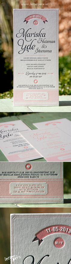 letterpers_letterpress_trouwkaart_Mariska_Yde_Amerikaanse_stijl_wimpel_roze_blauw_relief