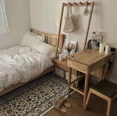 Good Information : Best Bedroom Colors Psychology - Bedroom Design Ideas Best Bedroom Colors, Deco Studio, Aesthetic Bedroom, Aesthetic Photo, Bedroom Vintage, Vintage Curtains, Vintage Room, Dream Rooms, My New Room