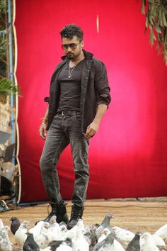 Anjaan Movie FirstLook Images Photos Gallery In HD - Actor Surya Masss Movie First look Trailers Teaser Songs Posters Stills Bollywood Images, Bollywood Actors, Bollywood Celebrities, Ram Photos, Images Photos, Young Men Haircuts, Allu Arjun Wallpapers, Surya Actor, Prabhas Pics