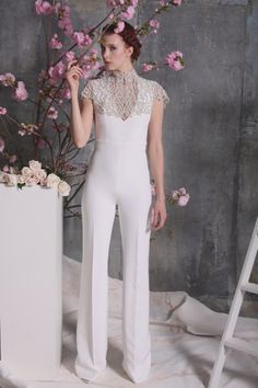 71 Chic Wedding Suits for Brides christian siriano dress spring 2018 pants jumpsuit<br> Do bridal like a boss with the help of one of these alternative looks. Wedding Suits For Bride, Wedding Pants, Chic Wedding, Wedding Dress Trends, Designer Wedding Dresses, Dress Wedding, Bridal Looks, Bridal Style, Christian Siriano Wedding Dresses