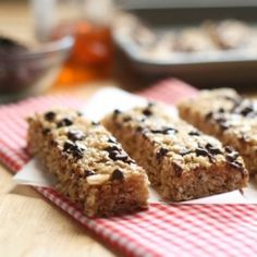 No-Bake Chocolate Chip Granola Bars--an easy and healthy snack! use organic sugar, gf oats, try coconut oil in place of butter?