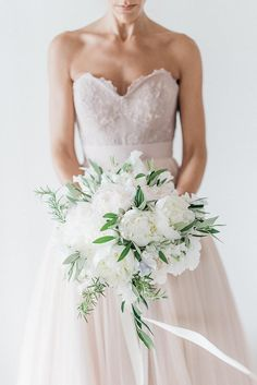 8-white-green-romantic-wedding