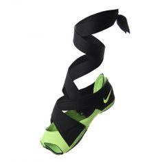 Femeninas, ligeras e innovadoras, el Nike Studio Wrap Pack se ha diseñado para ayudarte a sacarle el máximo rendimiento a los entrenamientos que suelen hacerse sin zapatillas.