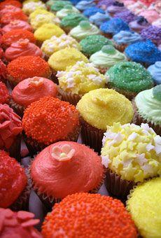 mmmm, rainbow cupcakes, yes please!