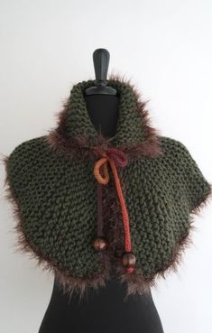 Outlander Inspired Forest Green Color Chunky Knitted Capelet Cape Collar Faux Fir Trim Cowl Gaiter with Cord Ties Wooden Beads Knitted Capelet, Crochet Shawl, Knit Crochet, Wire Crochet, Crochet Trim, Outlander Knitting, Forest Green Color, Unique Crochet, Fur Trim