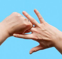Hand Massage Therapy – Better Health in the Palm of Your Hand Health And Beauty, Health And Wellness, Reflexology Massage, Yoga Mantras, Massage Benefits, Physical Pain, Deep Tissue, Health Facts, Massage Therapy