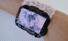 bracelet with pink lace Lady In Waiting, Pink Lace, Handmade Jewelry, Detail, Bracelets, Accessories, Fashion, Charm Bracelets, Moda