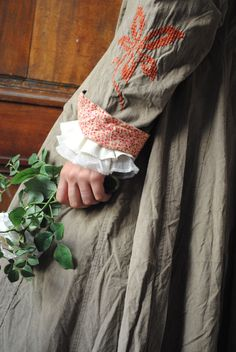 Beautiful duster (dress?), embroidered sleeves, lined with small-floral print #clothing