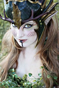 Forest Dragon Queen Crown larp leather green gold by FeralCrafter. I LOVE the makeup Cosplay Makeup, Costume Makeup, Cool Costumes, Cosplay Costumes, Top Cosplay, Halloween Costumes, Fairy Costumes, Spirit Halloween, Costume Ideas