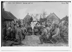 A Catholic priest officiates an outdoor mass for German soldiers before battle, ca. 1914-1915. George Grantham Bain Collection, Library of Congress Prints and Photographs Division.
