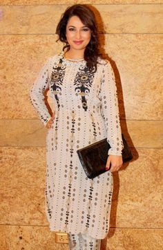 Tisca Chopra too arrived in a Payal Singhal suit at the Lakme Fashion Week 2014 #Style #Bollywood #Fashion #Beauty #LFW2014