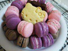 Hello Kitty Macarons!