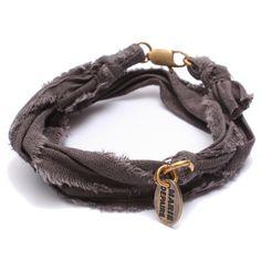 Bracelet vintage anthracite Marie Depaire, bracelet en tissus fait main en France, à découvrir sur www.lilishopping.com/233-marie-depaire  #mariedepaire #madeinfrance #handmade #madeinparis #vintage #bracelethomme
