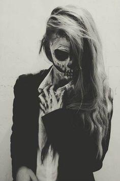Skull Face / Black & White Photography