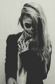 Skull Face / Black & White Photography