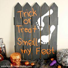 Home. Made. Interest. | Halloween Footprint Sign | http://www.homemadeinterest.com