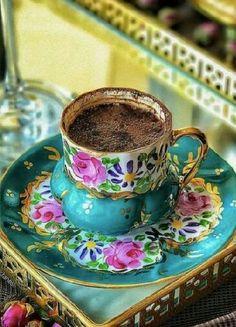 Tea Cup Set, My Cup Of Tea, Tea Cup Saucer, Tea Sets, Coffee And Books, Coffee Love, Vintage China, Vintage Tea, Café Chocolate