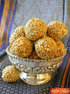 Microwave Sesame Seed Laddus in minutes! – Indian and Indian Fusion Cooking in America Indian Desserts, Indian Sweets, Indian Food Recipes, Gourmet Recipes, Sweet Recipes, Easy Recipes, Benefits Of Sesame Seeds, Laddoo Recipe, Sesame Seeds Recipes