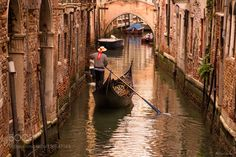 """The Gondoliers Love? 