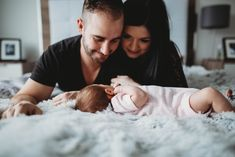 Mommy and daddy time, newborn lifestyle session # photographer Family Pictures, Baby Pictures, Couple Photos, Family Photo, Montreal, Daddy, Maternity, Lifestyle, Fun