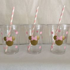 Hey, I found this really awesome Etsy listing at https://www.etsy.com/listing/258141725/minnie-mouse-pink-and-gold-party-cups