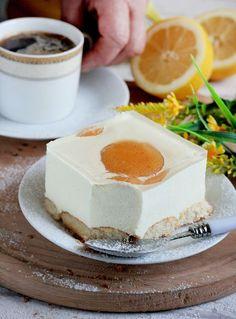 Ciasto bez pieczenia, z brzoskwiniami
