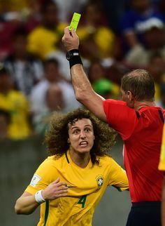Lesões, cartões e desempenho freiam sequência de David Luiz com Dunga #globoesporte