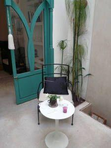 Sjekk ut dette utrolige stedet på Airbnb: Petit Riad privé 170m2 en Medina  i Marrakesh Outdoor Furniture Sets, Outdoor Decor, Marrakesh, Room, Home Decor, Bedroom, Decoration Home, Room Decor, Rooms
