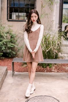 Classy turtleneck collar knit top korean fashion kore moda stilleri, asya m Korean Fashion Dress, Korean Fashion Summer, Korean Dress, Korean Street Fashion, Ulzzang Fashion, Korea Fashion, Korean Outfits, Japanese Fashion, Asian Fashion