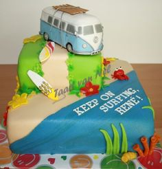 Cute VW Bus cake with the beach Gorgeous Cakes, Amazing Cakes, Camper Van Cake, Surf Cake, Vw Beach, Sweet 16 Cakes, 3d Cakes, Dream Cake, Cake Pictures