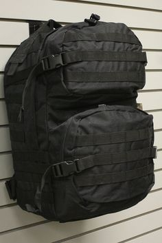 RED ROCK THREE DAY PACK BLACK