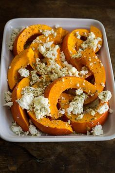 Autumnal out of the oven: pumpkin with sheep& cheese kuerbis-mit-feta-aus-dem-ofen, Vegetable Soup Healthy, Vegetable Recipes, Raw Food Recipes, Vegetarian Recipes, Healthy Recipes, Baked Pumpkin, Pumpkin Recipes, Cheese Pumpkin, Sheep Cheese