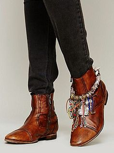 Free people/ boot chain