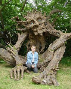 Paper machete tree troll