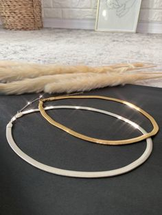 Thick Herringbone Necklace Gold or Silver, Free Shipping! #love #me #lv #tbt #stylish #boutiquedeals #giveaway #leggingsforlife #fashionweek #louisvuitton Herringbone Necklace, Sophisticated Style, Fashion Shoot, Jewelry Box, Gold Necklace, Free Shipping, Silver, Products, Jewellery Box