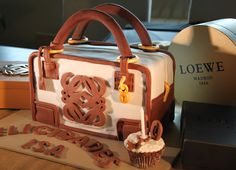 Cook the cake: Tarta-bolso Loewe 40 cumpleaños Isabel. Cook the cake en el Restaurante Zalacaín