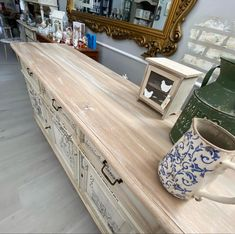 luce Paint Entryway Tables, Painting, Furniture, Home Decor, Decoration Home, Room Decor, Painting Art, Paintings, Home Furnishings