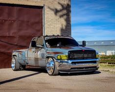 Badass Second Gen Dodge Ram Cummins Dually! Dodge Dually, Dually Trucks, Dodge Trucks, Mopar, Cummins Diesel Trucks, Dodge Ram Diesel, Dodge Cummins, Jeep Pickup Truck, Classic Pickup Trucks