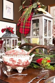 Plaid Christmas- love this look Tartan Christmas, Plaid Christmas, Christmas Design, Country Christmas, All Things Christmas, Winter Christmas, Christmas Crafts, Xmas, Merry Christmas