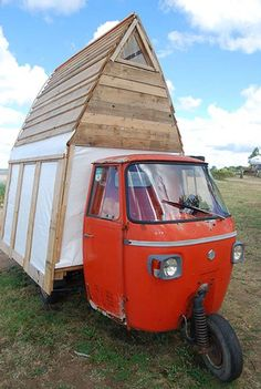 Genius!-Google Image Result for http://tinyhouselistings.com/wp-content/uploads/2011/11/unique-tiny-house-photo.jpg