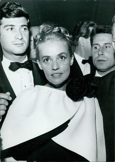 Jean-Claude Brialy and Jeanne Moreau Jeanne Moreau, Celebrity Photos, Actors, Celebrities, Grave, Collection, French, Retro, Sports