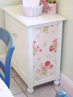 Eeeep!!! I LOVE THIS! Wallpapered cabinet by Elyse Major! This is an amazing cabinet makeover in flowery Cath Kidston Style! Loving this post - 20 Fabulous Furniture Ideas